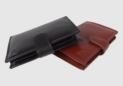 portfel skórzany męski TSHC 3344/04/092  <br/>wymiary 10 x 13,5 cm