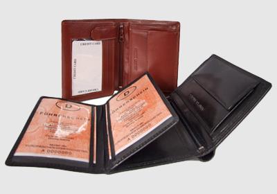 portfel skórzany męski TSHC 3347/04/039  <br/>wymiary 12,5 x 10 cm