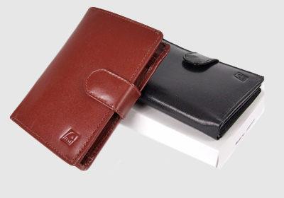 portfel skórzany męski TSHC 3348/pe09  <br/> wymiary 12 x 9 cm