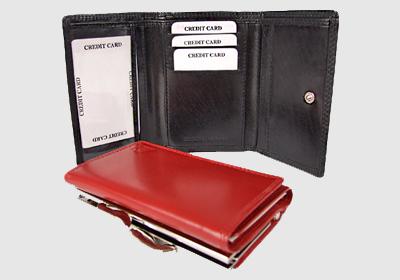 portfel skórzany damski TSHC 3415/pd10/001  <br/>wymiary  8,5 x 12 cm