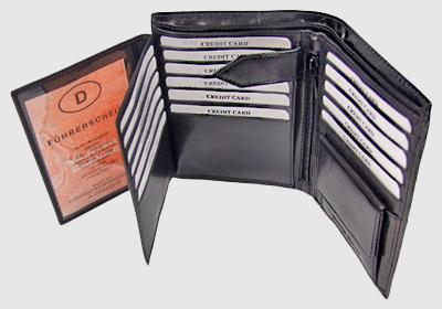 portfel skórzany męski TSHC 3496-N51  <br/>wymiary 10,5 x 13,5 cm
