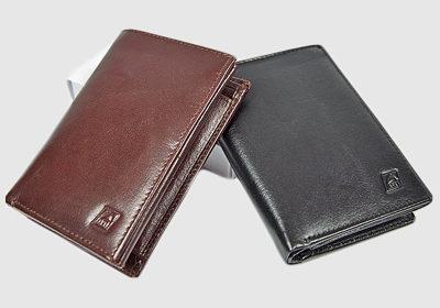 portfel skórzany męski TSHC 786 <br/> wymiary 10,5 x 8,5 cm